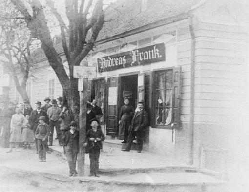 Frank Geschäft in Petzenkirchen um 1900